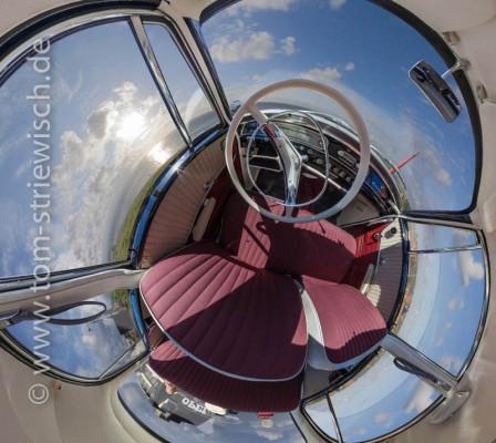 "Kugelpanorama eines Opel Rekord als ""Little Planet"""