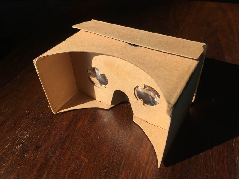 VR-Brille a la Googles Cardboard